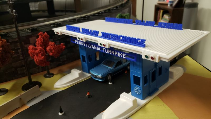 Plasticville Turnpike White Base  O-S Scale Nice